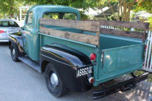 A classic truck for Chesapeake Bay weddings